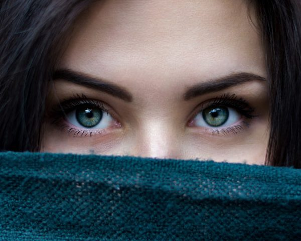 Augenbrauenserum – Natürlichkeit statt permanentes Make-up
